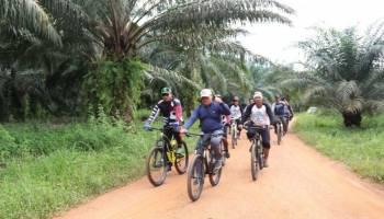 Gowes Sepeda Blusukan Ala Gubernur Babel, Pantau Rencana Jalan Mapur-Tuing Senilai Rp 9,8 Miliar