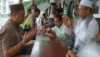 Gubernur Babel Bayar Zakat di Masjid Jami' Pangkalpinang