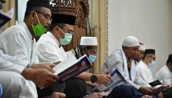Gubernur Babel Kembali Gerakkan Maghrib Mengaji, Ajak Jamaah Baca Al Quran