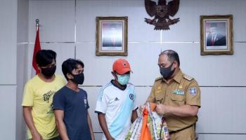 Gubernur Erzaldi dan BRI Serahkan Bantuan Pada Mitra Bandara Hadapi Covid-19