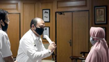 Gubernur Erzaldi Fasilitasi Keluarga Pasien Tumor Berobat ke Jakarta