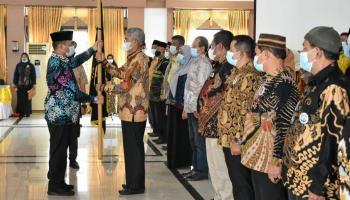 Gubernur Erzaldi Kukuhkan Kepengurusan Ikatan Keluarga Masyarakat Belitong