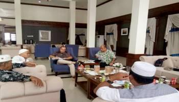 Gubernur Erzaldi Menerima Tokoh Agama Guna Membahas Masalah di Batu Belubang