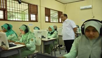 Gubernur Erzaldi Rosman Berharap Siswa SMK Tetap Semangat Ikut Ujian Nasional