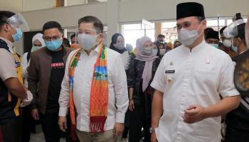 Gubernur Erzaldi Sambut Kedatangan Menteri PPN/Bappenas di Belitung