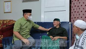 Gubernur: Guru Memang Pahlawan Tanpa Tanda Jasa