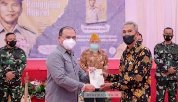 Gubernur Launching Buku Kisah H.A.S Hanandjoeddin Berjudul Memenuhi Panggilan Rakyat