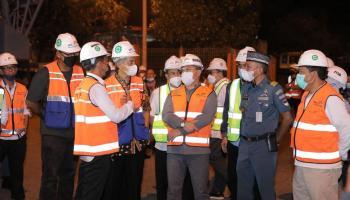Gubernur Pastikan Aktivitas Bongkar Muat Kapal Berjalan 24 jam