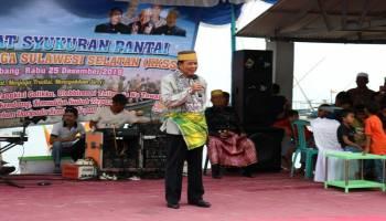 Hadiri Syukuran Pantai, Ibnu Saleh Disematkan Gelar Daeng Malawi Oleh Kerukunan Keluarga Sulawesi Selatan