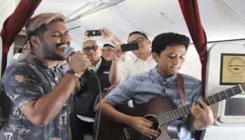 Hadirkan Pengalaman Penerbangan Berbeda, Garuda Indonesia Tampilkan Live Music Akustik