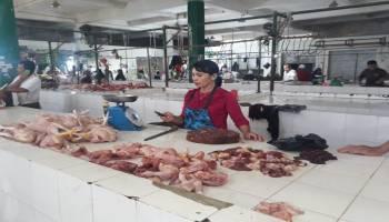 Harga Daging Ayam Melesat Naik, Dinas Pangan akan Gelar Pasar Murah