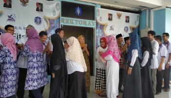 Hari kedua Masuk kerja, Keluarga Besar UBB Gelar Halalbihalal