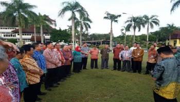 Hari Pertama Masuk Kerja, Gubernur Pimpin Rapim di Lapangan Terbuka