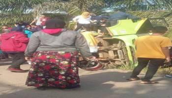 Hendak Rayakan Perpisahan Sekolah, Bus Rombongan SMP 2 Simpang Rimba Terbalik