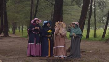 Hijab Syar'i Jadi Tren Gaya Hidup Anak Muda, Bisnis Fashion Muslimah Jadi Menggiurkan (2)