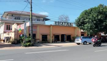 Hotel Simpang Empat Penginapan dipusat Kota Manggar