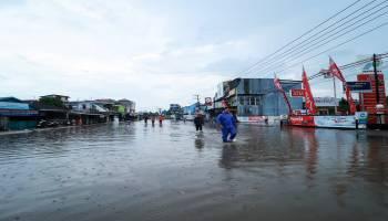 Hujan Deras Mengguyur Pangkalpinang, Lokasi Langganan Banjir Terendam Sebatas Pinggang