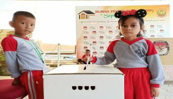 HUT Pertama RPP Sepintu Sedulang, KPU Bangka Dikunjungi Puluhan Murid TK Mekar Sari