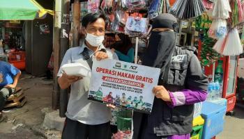 INDONESIA DARURAT SOLIDARITAS : ACT Bangka Distribusikan Operasi Pangan Gratis