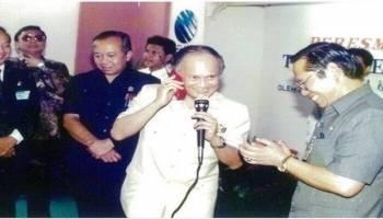 Indonesia Kehilangan Pejuang Teknologi BJ Habibie, Ini Dia Bapak Teknologi Indonesia Di Balik Kelahiran Telkomsel