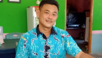 Ini Kisah Andry, Kades Tionghoa Yang Memimpin Hampir 4000 Muslim di Bukit Layang