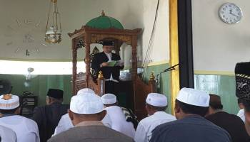 Jadi Khotib Sholat Jumat Perdana Masjid Jamik Pinang Raya, Gubernur: Mari Tolong Menolong Dalam Kebaikkan