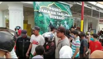 Jamaah Muslim Bergerak, Bagikan Takjil Hingga Buka Dapur Umum