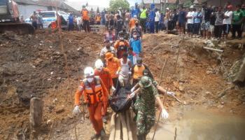 Jasad Korban Jembatan Ambruk Ditemukan, Kades : Sore Ini Dimakamkan