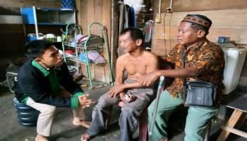 JCA Jumat Sedekah Kunjungi Warga Penderita Stroke