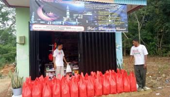 JCA Simpang Rimba Salurkan Bantuan Paket Lebaran untuk Kaum Dhuafa