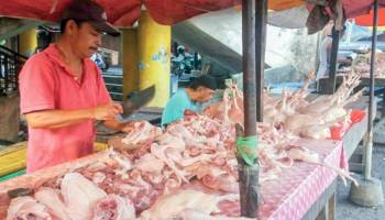 Jelang Ramadhan Harga Daging Ayam Melonjak
