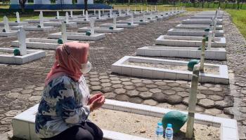 Jelang Ramadhan, Sekda Radmida Ziarah ke Makam Almarhum Ayah
