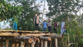 Jembatan Mustofa Desa Cambai Belum Direnovasi, Ketua DPRD Bateng Siap Bedah Anggaran