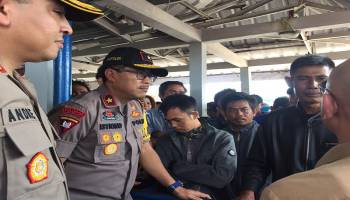 Kapolda Babel Tinjau Suasana Mudik di Pelabuhan Tanjung Kalian Muntok