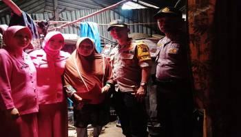 Kapolres Babar Beri Bantuan Sembako kepada Warga Kurang Mampu
