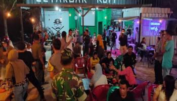 Kapolres Datangi Warung Kopi dan Cafe Di Toboali, Pelanggan Disuruh Pulang
