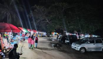 Kawasan Wisata Tanjung Kalian Dipenuhi Pedagang