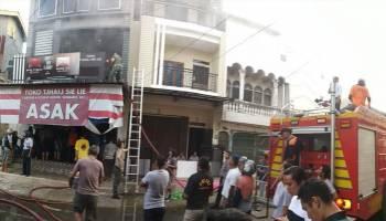 Kebakaran Toko Sembako Berhasil Dipadamkan