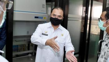 Kejar Target Test Swab, Gubernur Erzaldi Tinjau Langsung Pembangunan Laboratorium Kesehatan