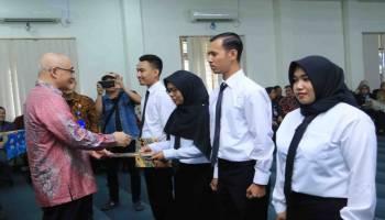 Kepala BKN RI Serahkan SK 267 CPNS Pemkot Pangkalpinang