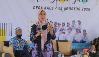 Ketua Dekranasda Melati Erzaldi Meluncurkan Produk Teh Seraje Desa Kace