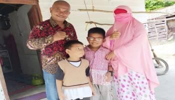 Ketua Umum Yayasan Pejuang Kemanusiaan Kunjungi Pasien Sakit Mata