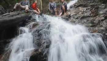 Kisah Perjalanan Menapaki Puncak Air Terjun C2, Bukti Indahnya Alam Bangka Belitung