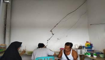 Kondisi Bangunan Retak Berat, Para Pedagang Desak Pemerintah Perbaiki Pasar Rakyat Koba