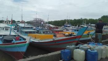 Kondisi Cuaca Buruk, Kapal Nelayan Banyak Berlabuh