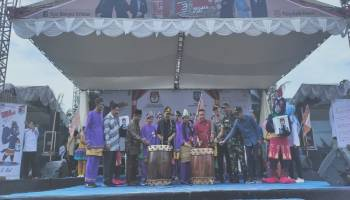 KPU Basel Gelar Launching Jingle ' Yo Kite Mileh ' dan Maskot ' Si Niol '