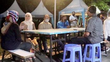 Kunjungi Belitung Food Street, Gubernur Erzaldi Beri Motivasi kepada Pelaku Kuliner