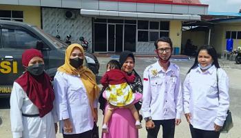 Lapak PKL Dirusak, Rita Didampingi APKLI Pangkalpinang Lapor ke Polres Pangkalpinang