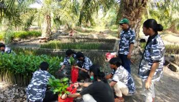 Laskar Pesisir Lakukan Studi Banding ke Wisata Mangrove Munjang
