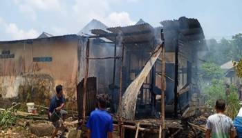 Lupa Matikan Kompor Gas, Rumah Warga Kerakas Dilalap Api